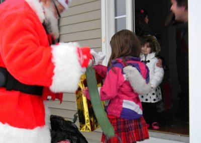 Santa Delivery 2013 038
