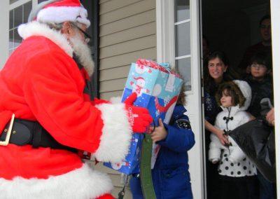 Santa Delivery 2013 040