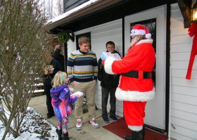 Santa Delivery 2013 049